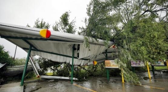 Al menos cinco personas murieron víctimas del huracán Florence