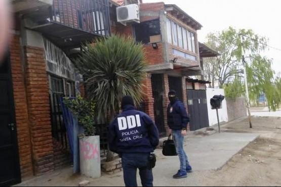 Detenidos por raid delictivo tenía pedido de paradero por un robo