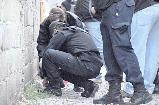 Los efectivos de Criminalística realizaron las pericias en ambos hechos. (Foto ilustrativa)