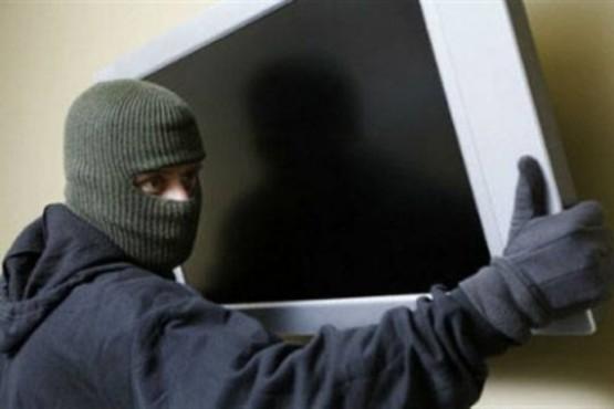 Forzaron una ventana y robaron 2 televisores