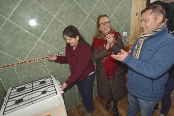 Alicia inauguró red de gas en el Barrio Bicentenario III