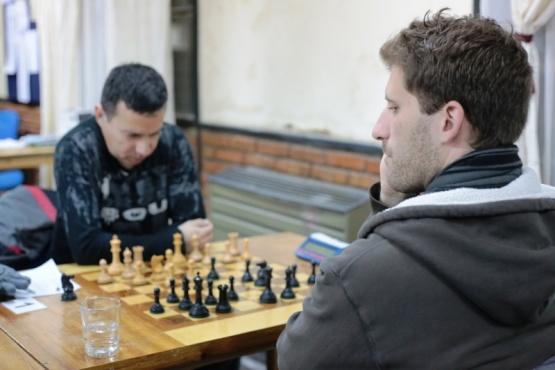 Hungaski le ganó a Díaz y Turner no pudo con Bazzano