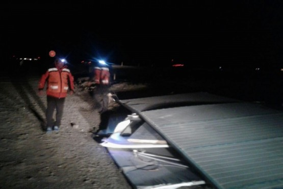 Protección Civil y Bomberos asistieron a vecinos afectados por los fuertes vientos
