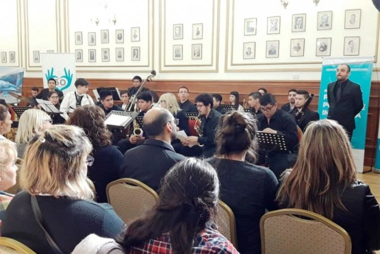 """""""La Clave Estudio"""" y la Orquesta del Barrio tocaron en la Casa de Gobierno"""