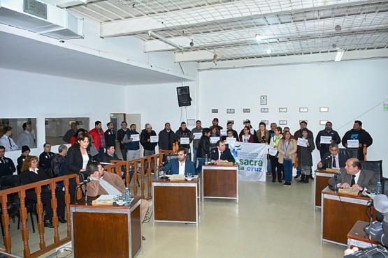 Los concejales debatieron sobre la entrega del terreno a la Provincia. (Fotos: C.R.).