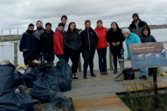Alumnos de la Escuela 36 trabajaron en la Laguna Ortiz