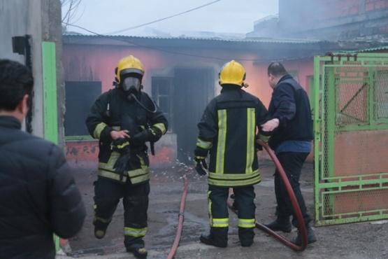 En el lugar trabajaron dos dotaciones de bomberos y apoyo hídrico. (Foto: C.G.)