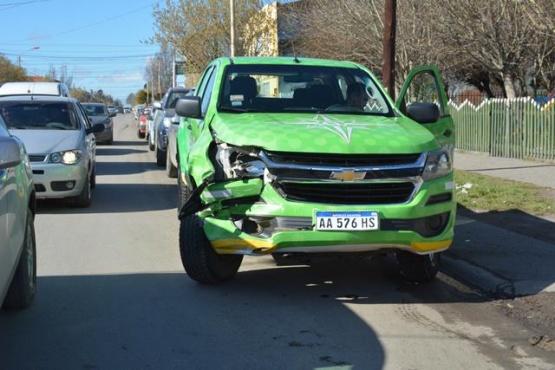No habría frenado a tiempo y colisionó a otro vehículo