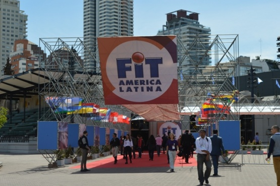 Puerto Deseado rumbo a la Feria Internacional de Turismo
