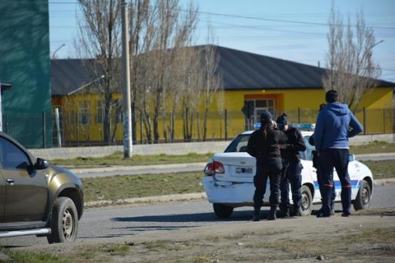 Conductor impactó contra un patrullero