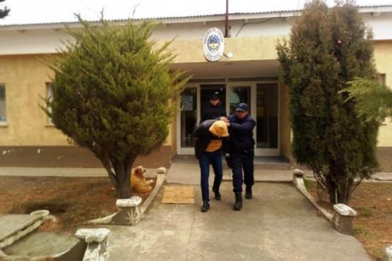 Trasladaron al detenido por estafas telefónicas a Pico Truncado