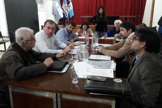Comisión de legislación recibió a integrantes de los consejos municipales