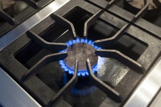 Eliminan la bonificación por ahorro en el consumo de gas y recortan el subsidio a la tarifa social