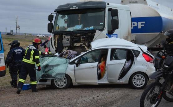 Dos mujeres murieron al chocar contra un camión  (Diario Jornada)