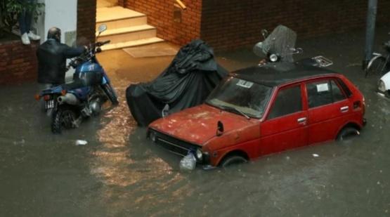 Granizo, subtes inundados, puentes cortados y árboles caídos