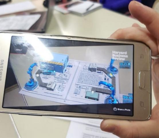 Llevarán la realidad aumentada y virtual a las aulas