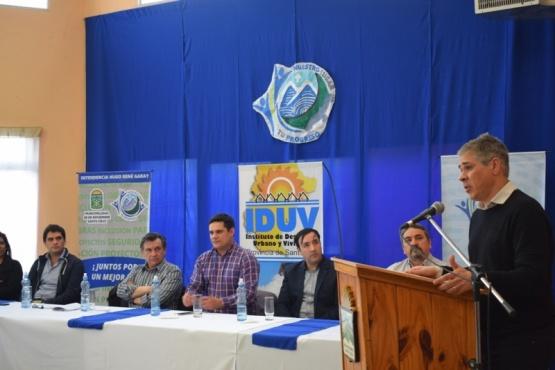 Firma de convenios por obras para la Cuenca
