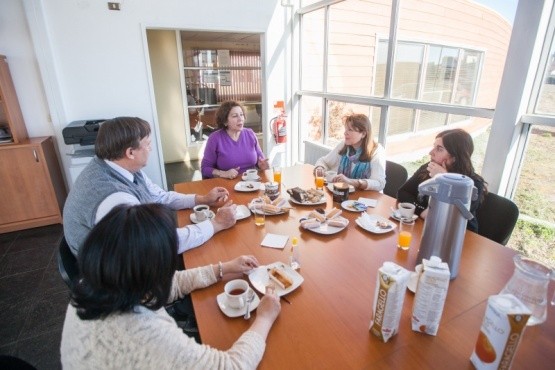 Lanzan becas para estudiantes santacruceños