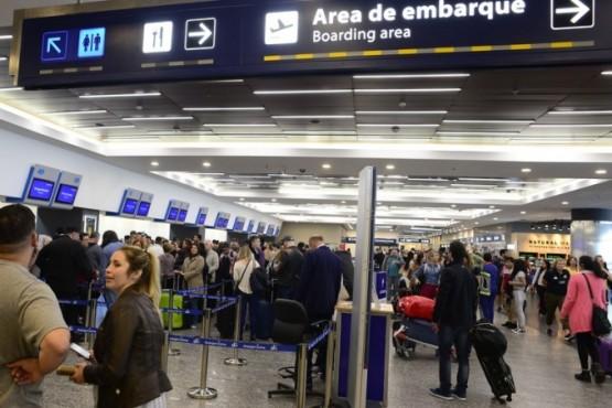 Esta mañana estaban suspendidos los vuelos en el Aeroparque (David Fernández / Archivo Clarín).