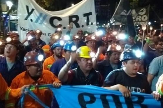 Mineros de YCRT marchan al Congreso