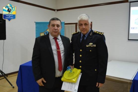 Personal policial se capacita en la lucha contra el narcotráfico