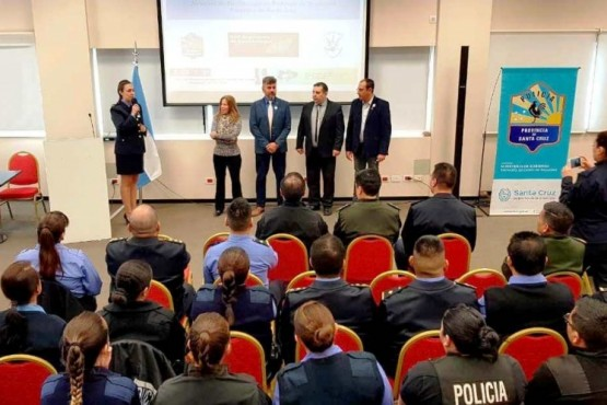 Las capacitaciones fueron organizadas por Jefatura y dirigidas a distintas áreas de la fuerza.