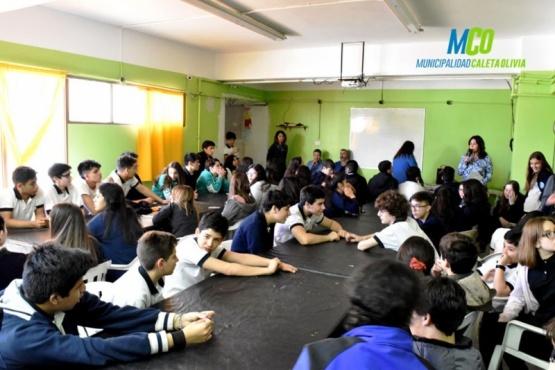Colegio Aónikenk cerró taller literario contra el bullying