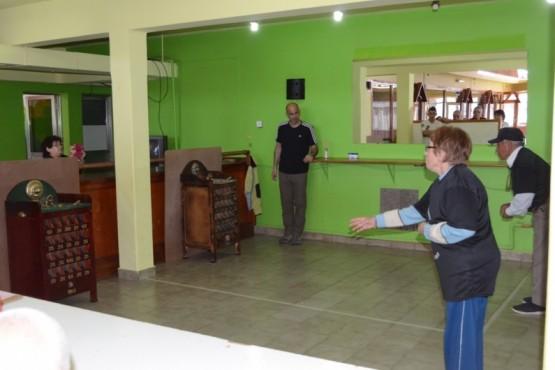 """""""Juegos Santa Cruz nos une"""" adultos mayores"""