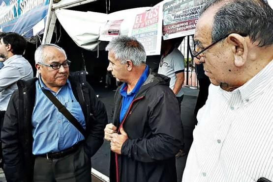 Jubilados de YCRT reclaman el cobro del Complemento Salarial y se reunirán con Costa