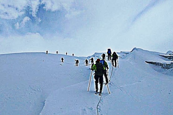 Soldados realizaron una travesía en los hielos continentales