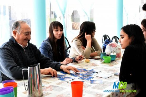 Adultos mayores recibieron a jóvenes del Curso de introducción al trabajo