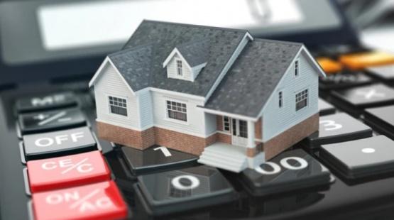 Autorizan a los bancos a ofrecer un tope para la cuota mensual de los créditos UVA