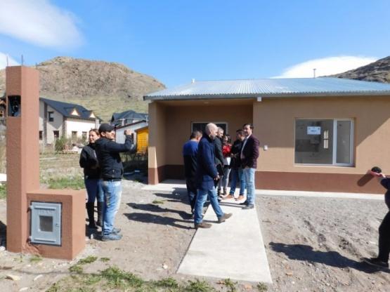Entregaron cinco nuevas viviendas en Chaltén