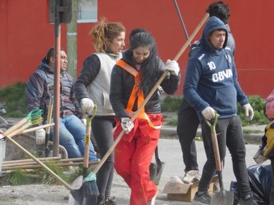 Segunda jornada de limpieza en los barrios