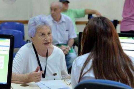 Jubilados y pensionados deben confirmar descuentos de terceras entidades en ANSES