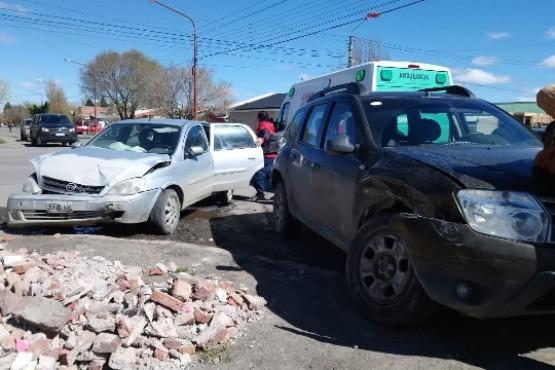 Conductora resultó lesionada en colisión
