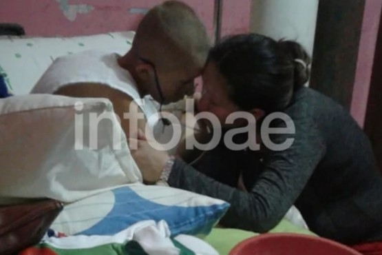 Murió el hijo de la mujer detenida por pasar cocaína al país para pagar su quimioterapia