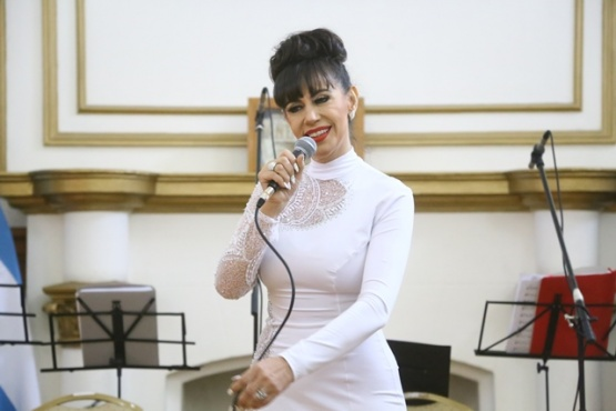 El tango emocionó en el Salón Blanco