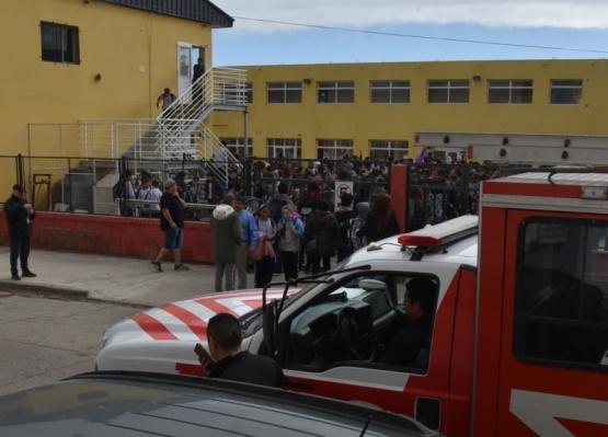 Evacuaron el Instituto Adventista debido a una amenaza anónima