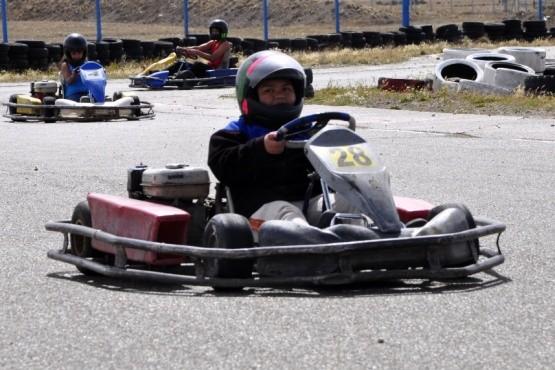 """Escuela de karting y picadas el """"finde"""""""