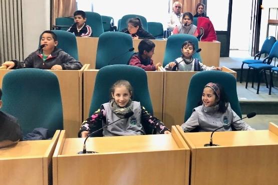 Alumnos de Perito Moreno visitaron la Legislatura