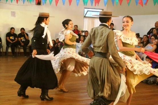Festejo de la Escuela Provincial de Danzas por el aniversario de su edificio