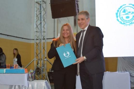 Firma de convenios con provincia en el 59° Aniversario de Lago Posadas