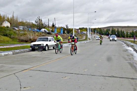 Ezequiel Molina ganó en un apasionante sprint final en MTB