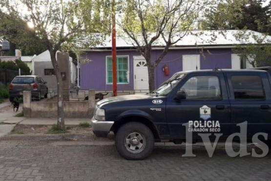 Jóvenes roban cámara de vigilancia del Polideportivo