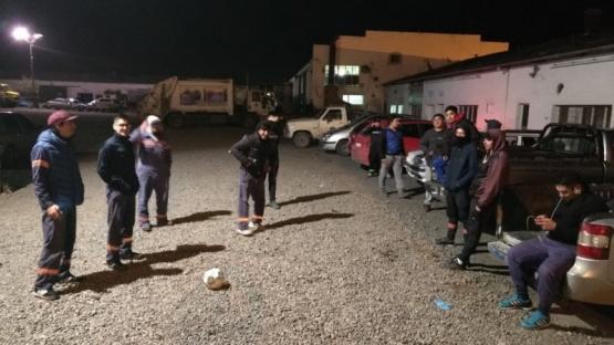 Trabajadores de recolección nocturna de paro