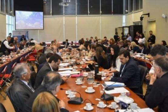 El Presupuesto 2019 obtuvo dictamen de comisión y el proyecto se debatirá mañana en Diputados