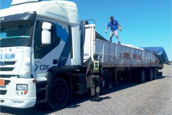 Secuestran 27 toneladas de hidróxido de sodio que venían a San Julián
