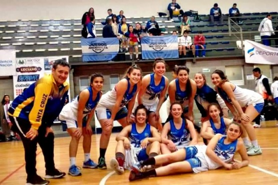 Las chicas de básquet de Santa Cruz, a pleno.