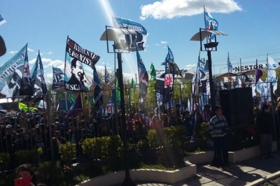 El acto fue organizado por Los Muchachos Peronistas (C.R)